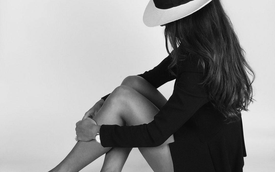 Alejandra Oliver y la vuelta del sombrero.