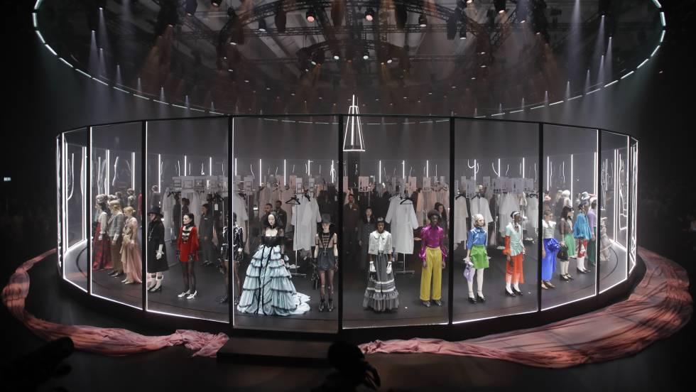 Gucci convierte la pasarela en un espectáculo circular